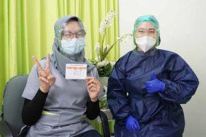 vaksinasi COVID-19 karyawan glow+ clinic